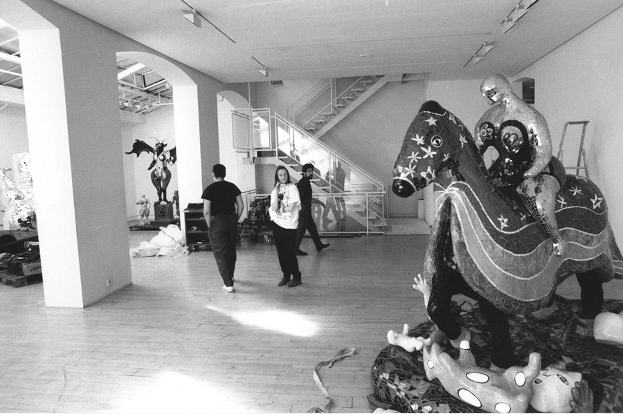 Niki, La mort galerie de France
