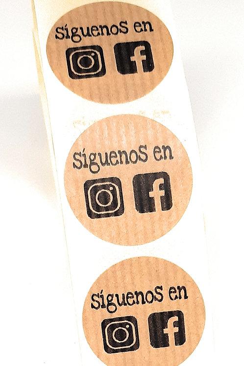 Etiquetas adhesivas kraft Siguenos en Instagram y Facebook