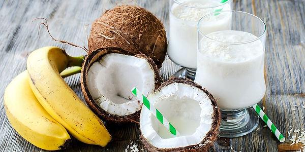 Банановый кокосовый смузи