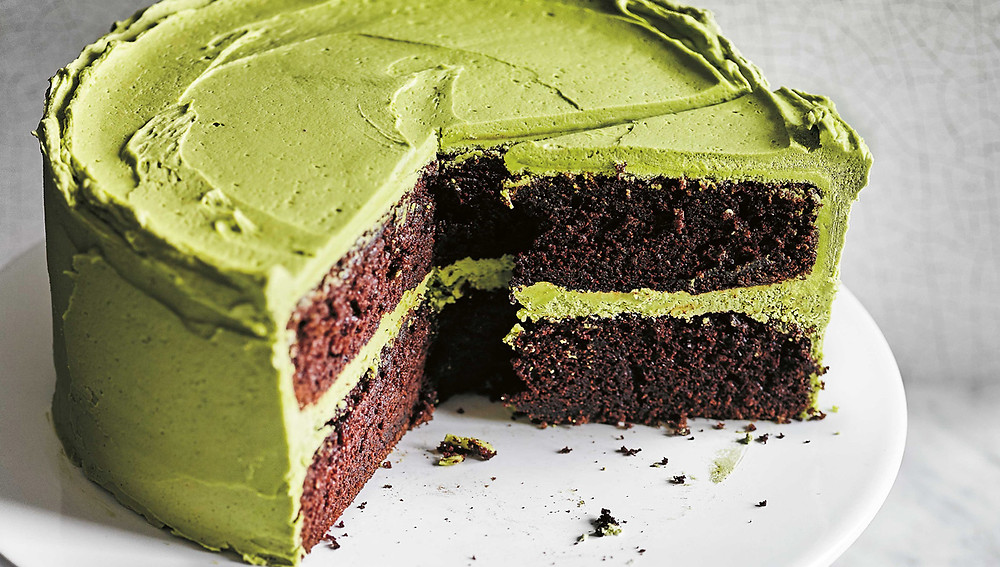 Шоколадный торт с зеленым чаем матча
