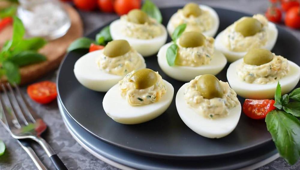 Фаршированные яйца - разные рецепты