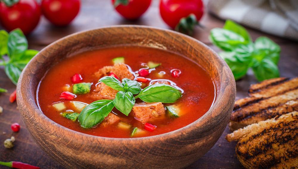Согревающий томатный суп с нутом