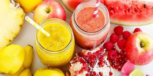 Смузи с фруктами и йогуртом