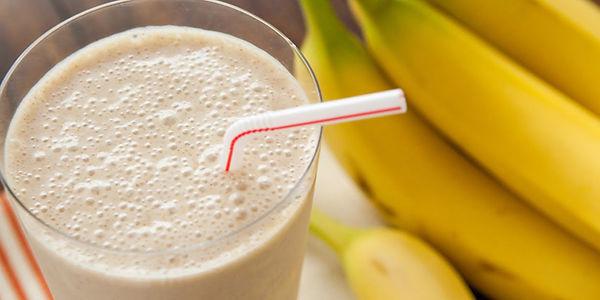 Смузи с бананом и молоком