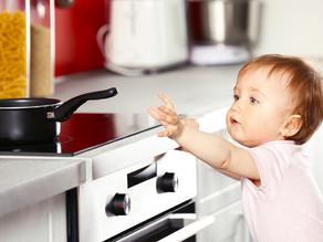 Как обезопасить ребенка в квартире?