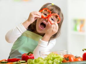 Как научить ребенка правильно питаться?