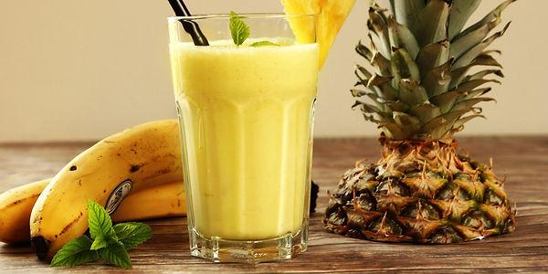 Смузи с ананасом и бананом
