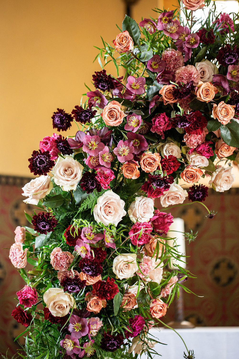 wedding flowers, floral arch in Schloss Wulkow
