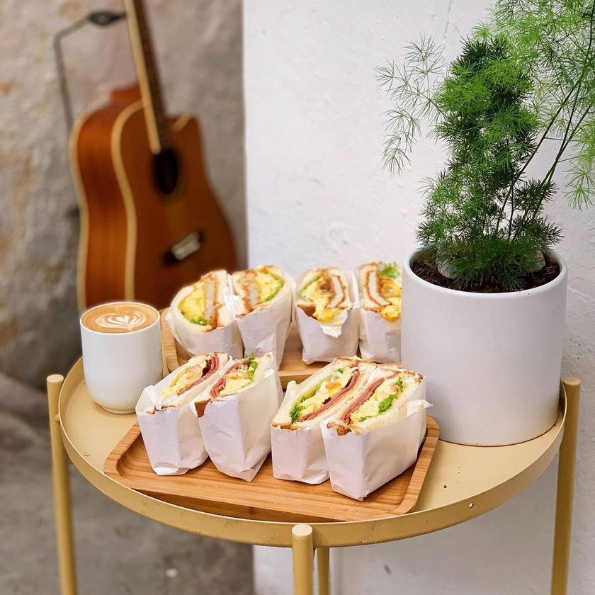 Toasted Sandwiches & A Latte from 楽 Lè , Penang