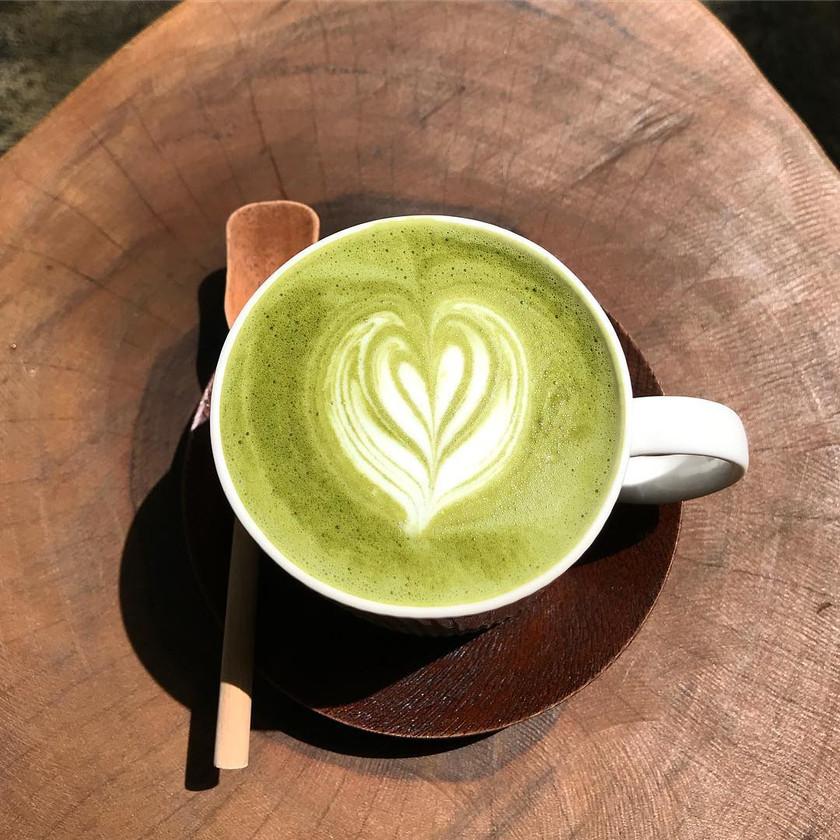 Matcha Latte @ Lunabar Cafe