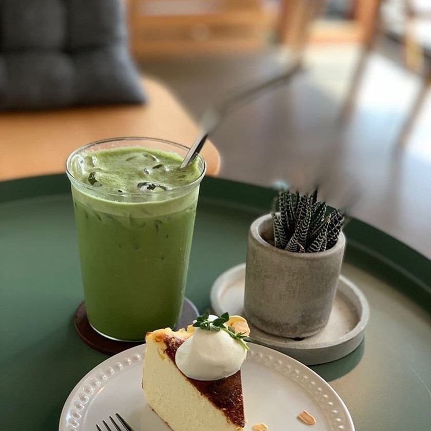 Matcha Latte and Cake 15 Grams Coffee Bar