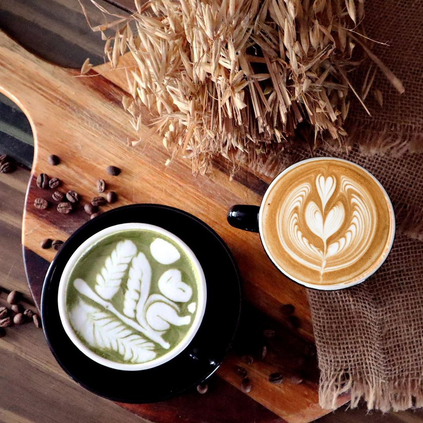 Latte and Matcha Latte @ Arabica Estate Specialty Coffe