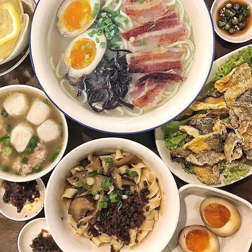 Bacon Pan Mee, Fried Fish Skin, Mushroom Pan Mee @ Ah Gu Pan Mee