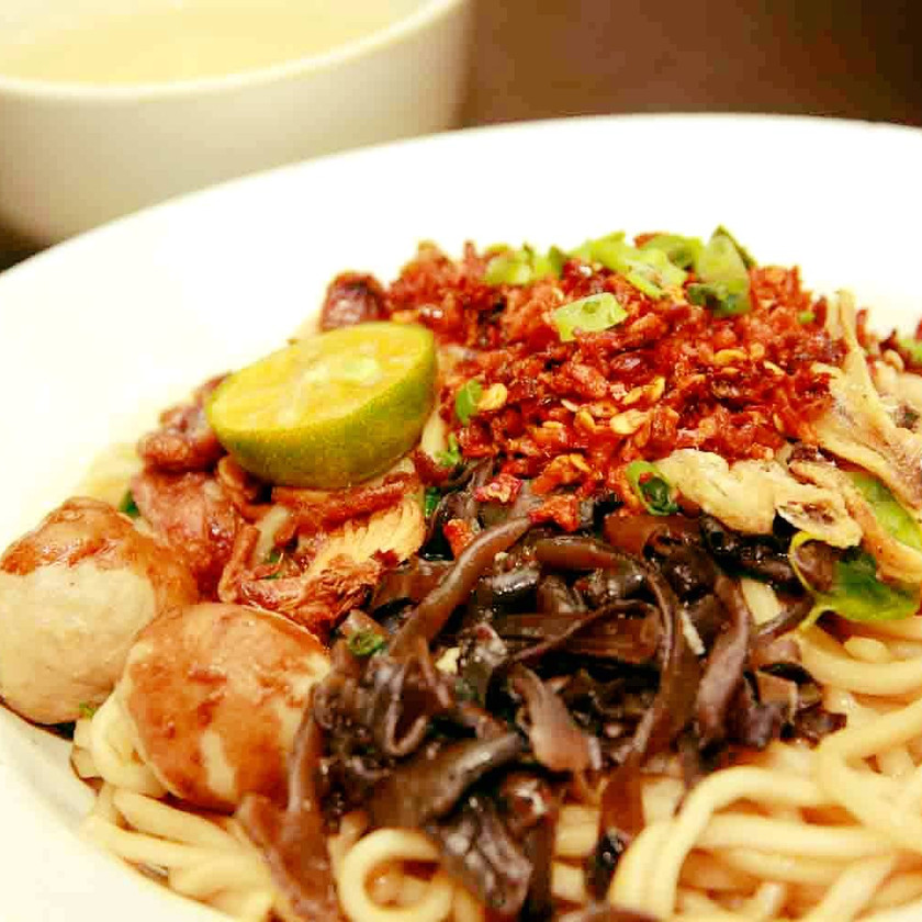 Dry Chilli Pan Mee @ I Mum Mum Noodle Library