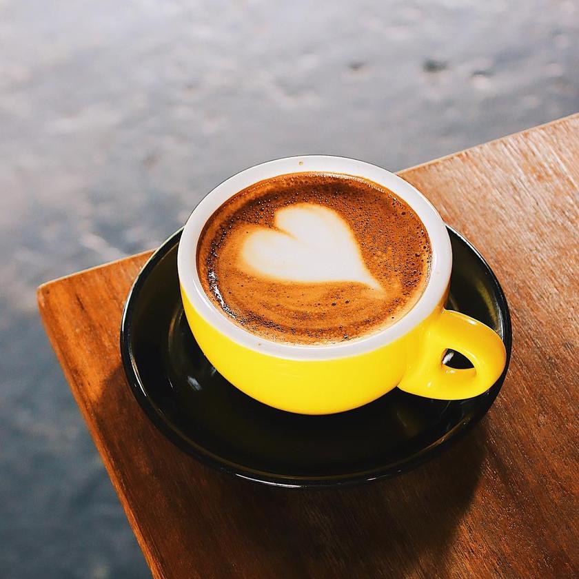 Cappuccino bricklin cafe bar