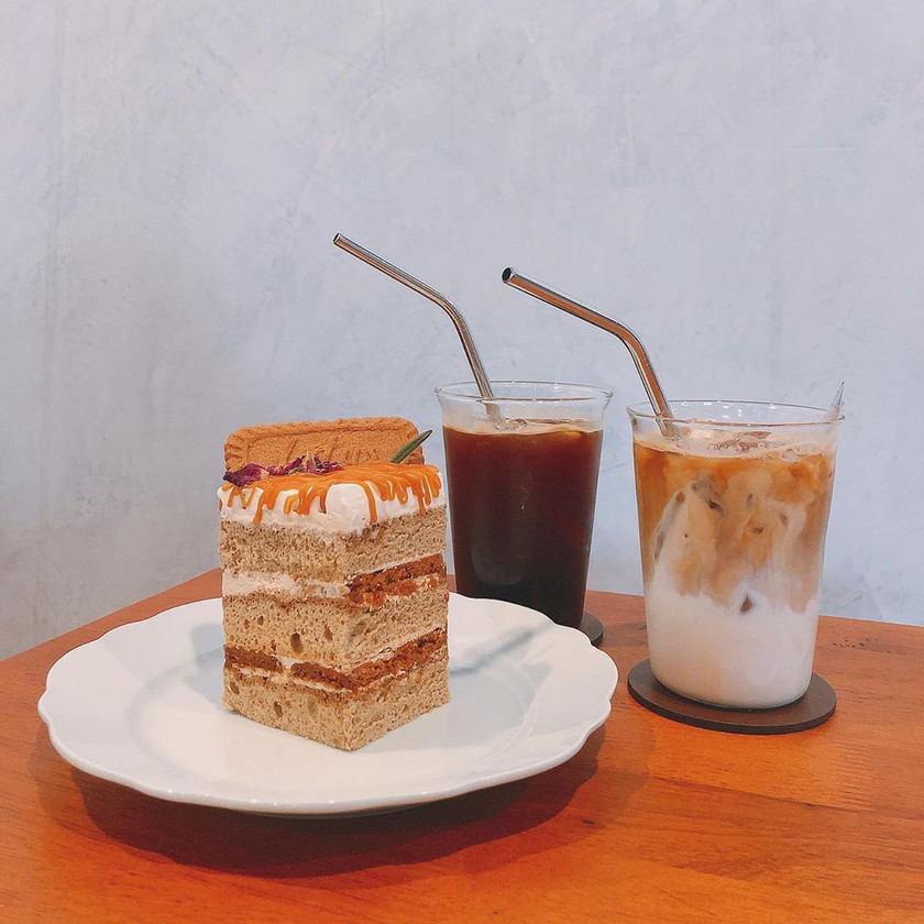 Drip Coffee, Iced Latte and Cake at 15 Grams Coffee Bar