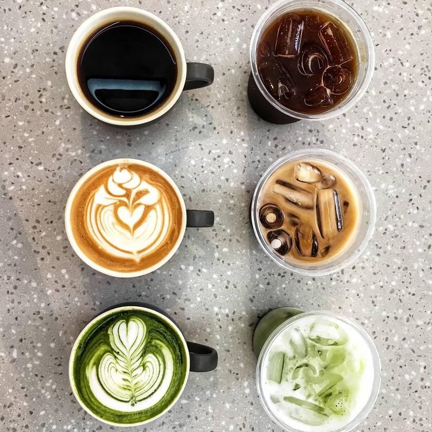 Coffee and Matcha Latte at Kraffmen Cafe