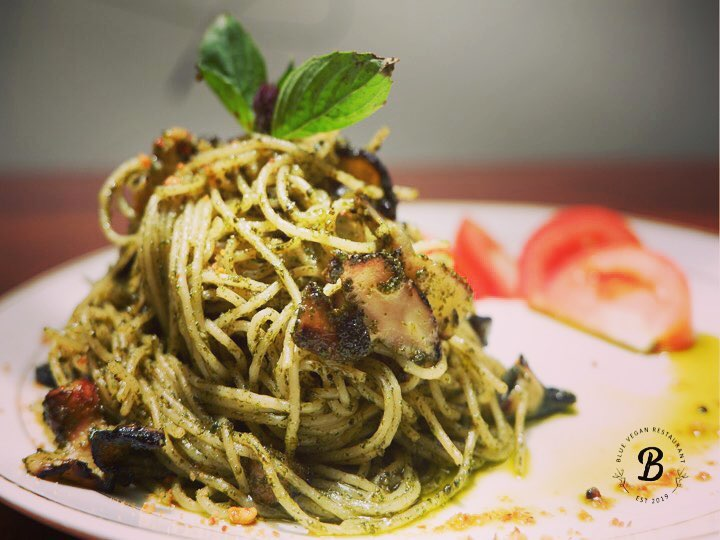 Cashew Basil Pesto Spaghetti @ Blue Vegan
