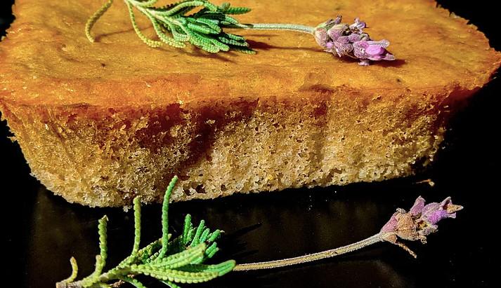 Bolo de Lavanda com Limão Siciliano (sem lactose)