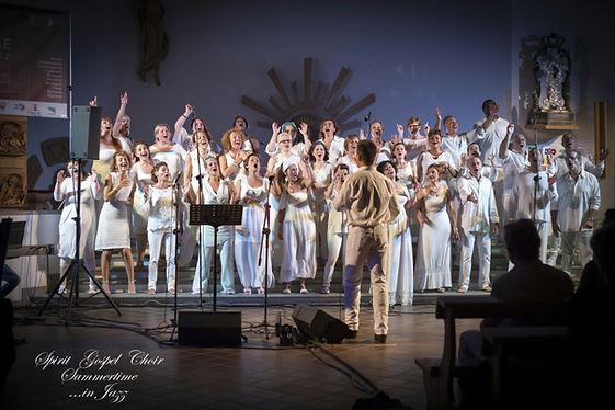 Un concerto speciale tutti in bianco a Morfasso