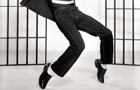 男性タップダンサー