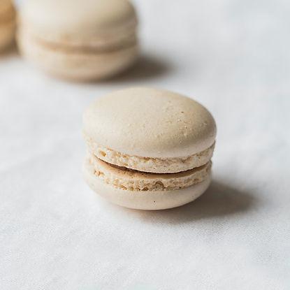 cv-web-product-macaron-vanilla.jpg