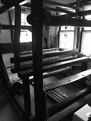4 poster loom late 1700's.JPG.jpg