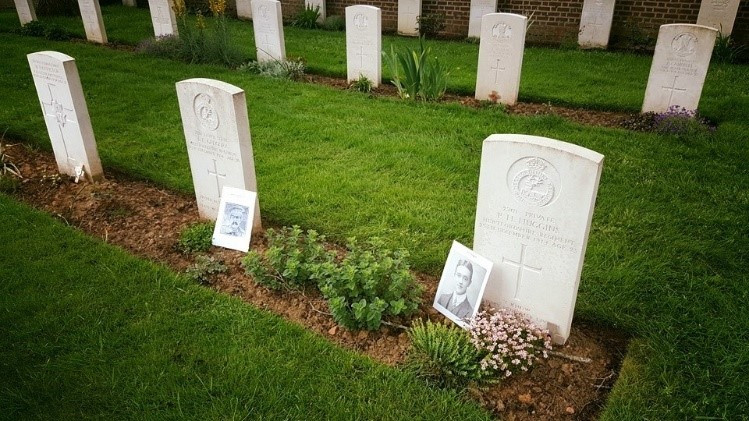 Tom and Percy's Graves at Le Touret