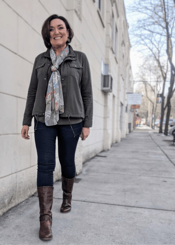 Olive green utility jacket outfit for spring