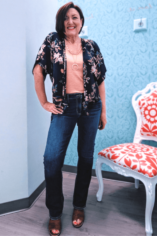 3 ways to wear a kimono. Perfect Summer and Fall outfit idea with a floral navy kimono with boot cut jeans  from Maurcies.
