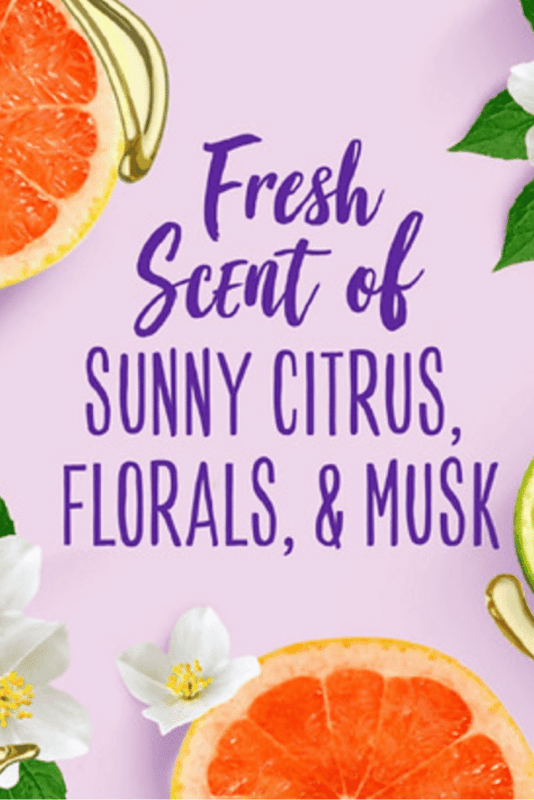 Aussie 3 Minute Miracle Moist Deep Conditioner smells like sunny citrus and florals.