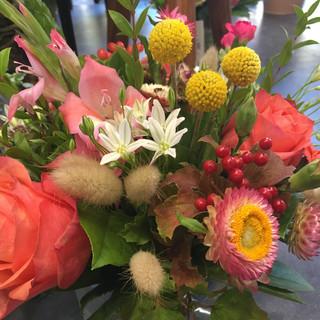 Bouquet harmonieux dans les teintes orange