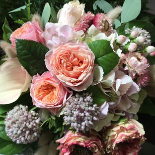 Bouquet harmonieux dans les teintes de rose