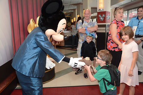 PhotoPass_Visiting_STUDIO_409872311338.J