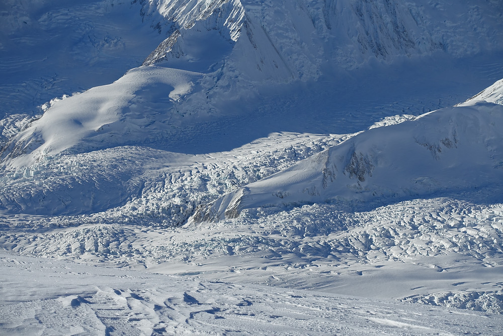 Photo: Dennis glacier - approach to Lucania