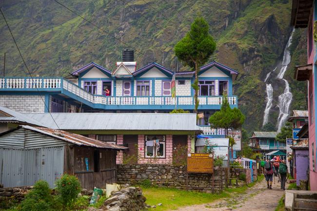 Vertical Nepal: Tal