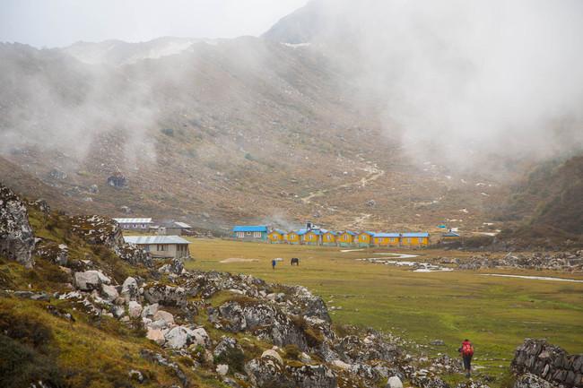 Vertical Nepal: Larke Solo 6249 m (20,496 ft)