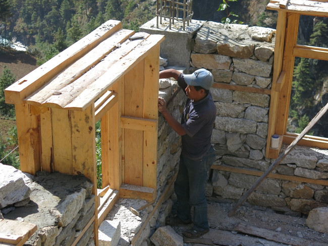 Lukla // Volunteering