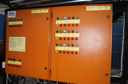 Distribution boards with alarm