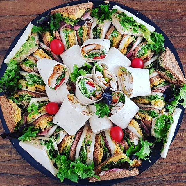 Half sandwich_half wraps