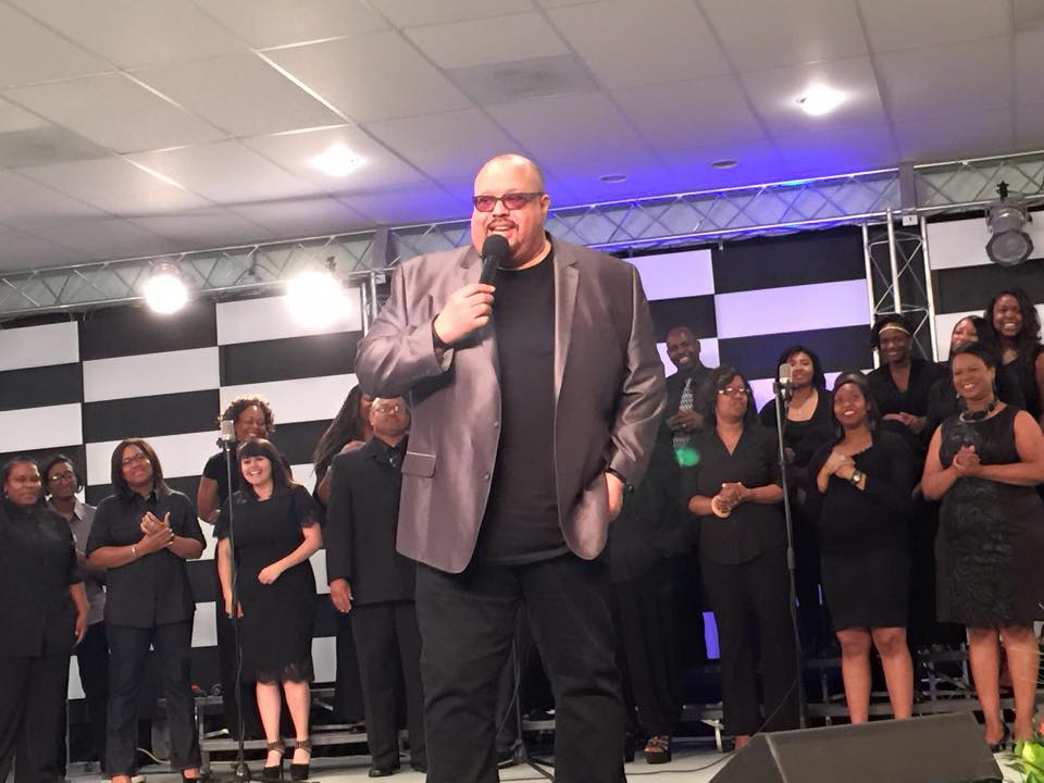 Fred Hammond Leading Worship