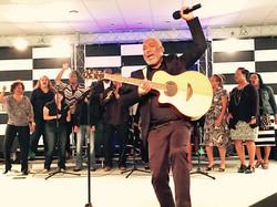 Jonathan Butler Leading Worship