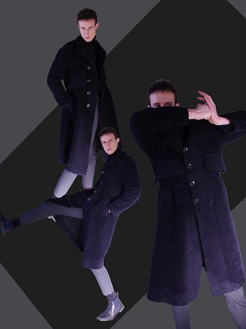 Black coat with waist squeezing / ウエストで絞れるブラックコート