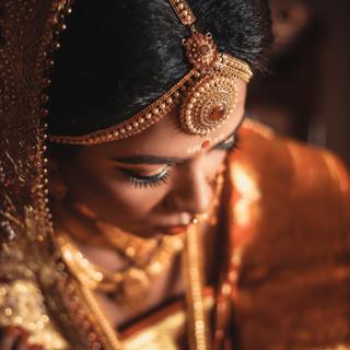 selective-focus-photography-of-woman-wea