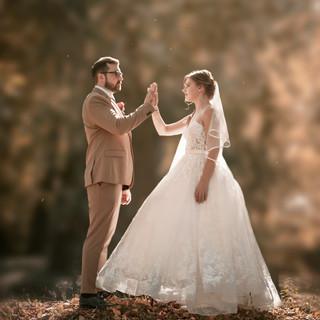 wedded-couple-taking-photo-outside-32518