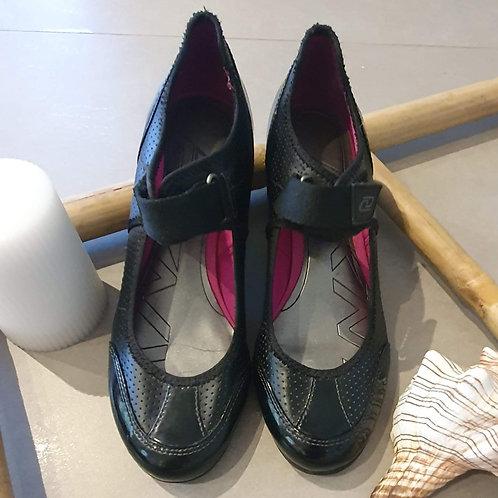 נעלי בובה עם סקוטש - שחור מבריק