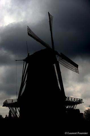 Amsterdam (moulin avant l'orage).JPG