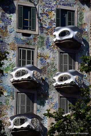 Barcelona casa Battlo (balcons masques d
