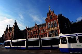 Amsterdam (central station & tramway).jp