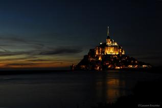 Mont St-Michel (by night).JPG